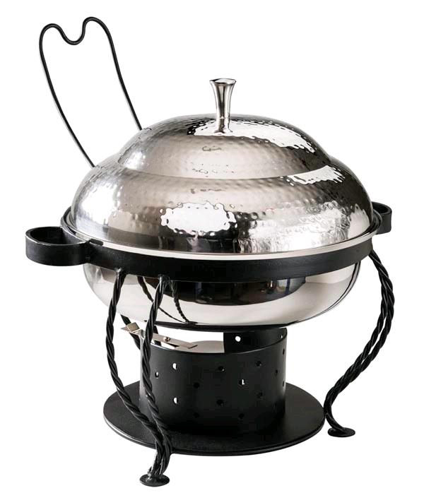 Where to find CHAFER - 3 QT ROUND SS HAMMERED in Danville